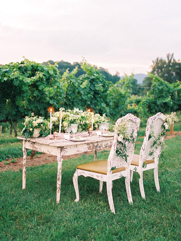 garden wedding table - photo by Wedding Nature Photography http://ruffledblog.com/elegant-vineyard-wedding-inspiration