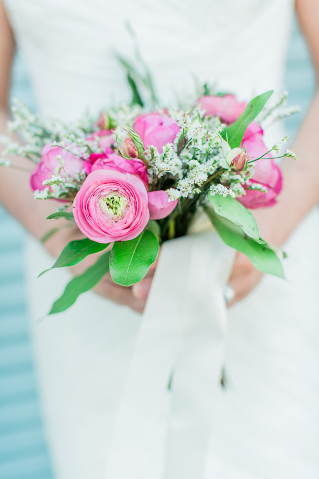Pink ranunculus bridal bouquet | Sweetness and Light Photography | see more on: http://burnettsboards.com/2015/09/host-networking-party/