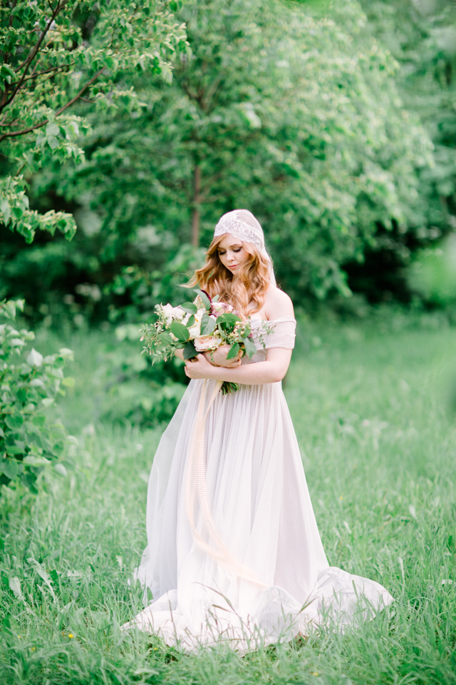 Romantic wedding dress | Olga Siyanko | see more on: http://burnettsboards.com/2015/09/lilac-lemon/