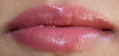 Too Faced La Crème Color Drenched Lip Cream Honey bear swatch