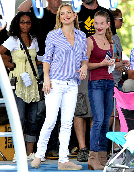 Kate Hudson on the set of Garry Marshall's Mother's Day on Sept. 11.