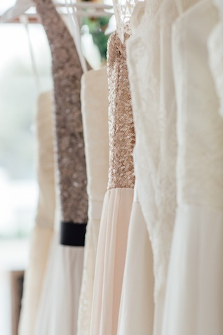 Truvelle wedding dress ⎟ Peggy Saas ⎟ see more on: http://burnettsboards.com/2015/09/truvelle-trunk-show-white-door/