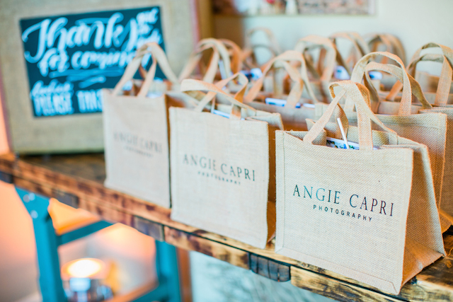 How to host a networking event | Sweetness and Light Photography | see more on: http://burnettsboards.com/2015/09/host-networking-party/