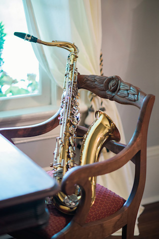 Vintage saxophone | Sarah Hooker Photography | see more on: http://burnettsboards.com/2015/09/art-deco-wedding-asheville/