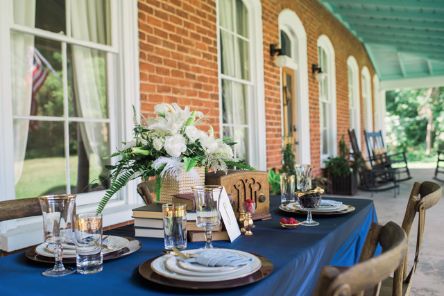 Art deco wedding tablescape | Sarah Hooker Photography | see more on: http://burnettsboards.com/2015/09/art-deco-wedding-asheville/