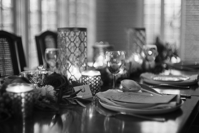 Candle lighting ⎪Jonathan Kohn⎪see more on: http://burnettsboards.com/2015/09/demure-southern-wedding-home/