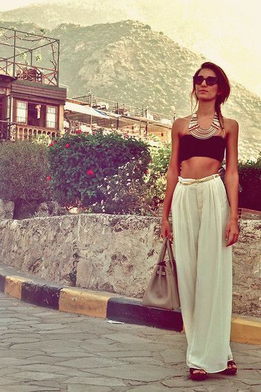 outfits to wear at a pool party13