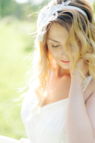 Spring bridal shoot | Sergey Ulanov | see more on: http://burnettsboards.com/2015/09/springtime-toile-de-jouy-bridals/