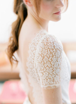 Lace sleeved wedding dress | l'Artisan Photographe | see more on: http://burnettsboards.com/2015/09/urban-alpine-wedding-inspiration-shoot/