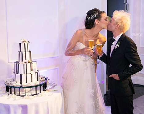 Deryck Whibley and Ariana Cooper's wedding had a 4-tier cake.