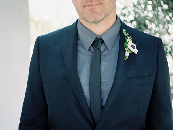 groom boutonniere - photo by Ashley Kelemen http://ruffledblog.com/organic-sophistication-in-venice-beach
