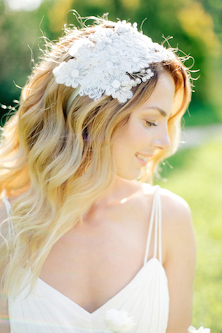 Bridal headpiece | Sergey Ulanov | see more on: http://burnettsboards.com/2015/09/springtime-toile-de-jouy-bridals/