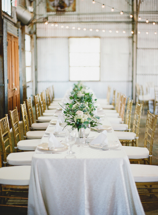 wedding table - photo by Brandi Smyth http://ruffledblog.com/industrial-wedding-in-shreveport