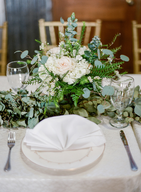 organic table setting - photo by Brandi Smyth http://ruffledblog.com/industrial-wedding-in-shreveport