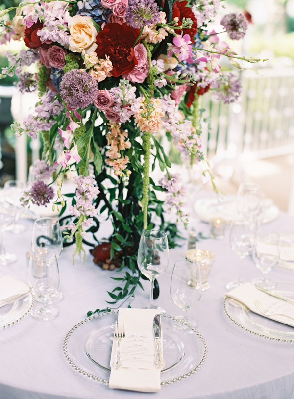 berry toned centerpiece - photo by Austin Gros http://ruffledblog.com/berry-toned-garden-wedding-splendor