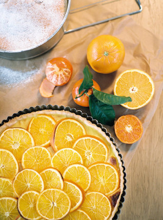 Orange pie | l'Artisan Photographe | see more on: http://burnettsboards.com/2015/09/urban-alpine-wedding-inspiration-shoot/