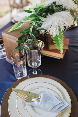 Art deco wedding | Sarah Hooker Photography | see more on: http://burnettsboards.com/2015/09/art-deco-wedding-asheville/