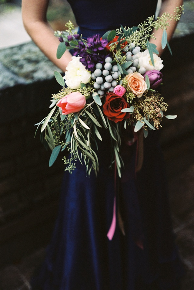 Bridesmaids bouquet ⎪Jonathan Kohn⎪see more on: http://burnettsboards.com/2015/09/demure-southern-wedding-home/