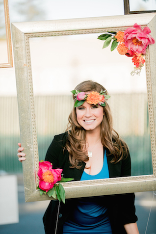 Flower adorned frame | Sweetness and Light Photography | see more on: http://burnettsboards.com/2015/09/host-networking-party/
