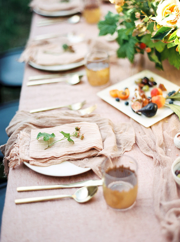 elegant tablescape - photo by Emily Fuselier Photography http://ruffledblog.com/cliffside-wedding-portraits-in-california