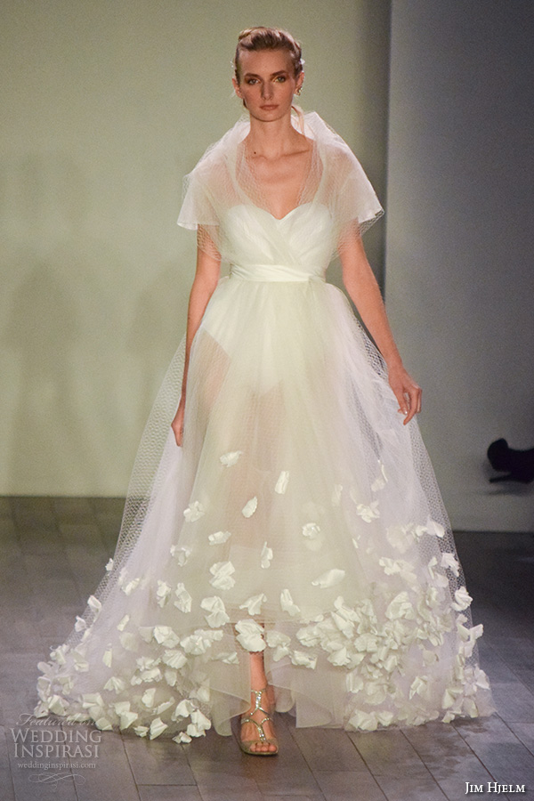jim hjelm spring 2016 bridal week short sleeves beautiful pretty a line wedding dress sweetheart neckline