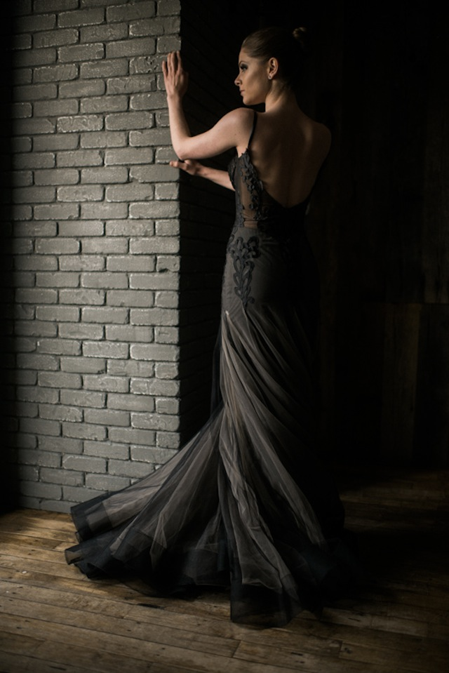 Black wedding dress ⎟Andy Barnhart Photography ⎟ see more on: http://burnettsboards.com/2015/10/black-swan-wedding/