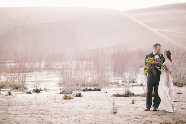Sand dune wedding | Green Blossom Photography | see more on: http://burnettsboards.com/2015/10/sand-dunes-national-park-wedding/