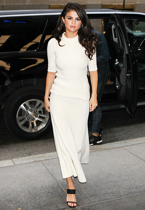 Selena Gomez arriving at The Tonight Show starring Jimmy Fallon on October 14, 2015