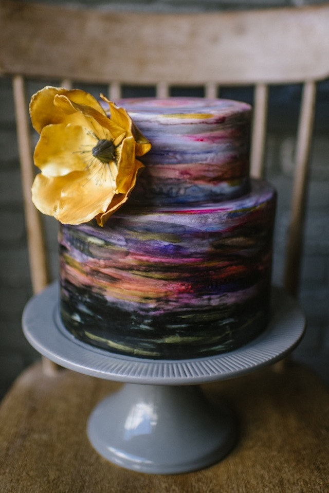 Painted wedding cake ⎟Andy Barnhart Photography ⎟ see more on: http://burnettsboards.com/2015/10/black-swan-wedding/
