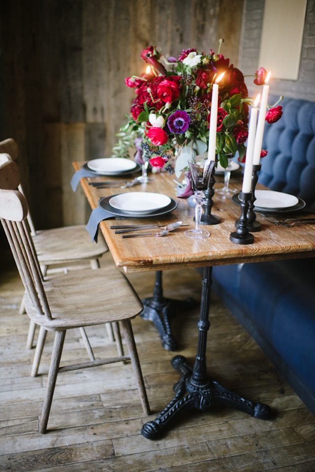 Romantic tablescape ⎟Andy Barnhart Photography ⎟ see more on: http://burnettsboards.com/2015/10/black-swan-wedding/