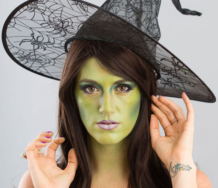 Witch makeup tutorial for halloween