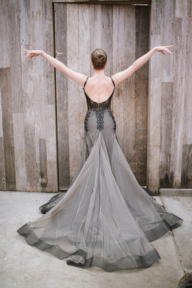 Galia Lahav wedding dress ⎟Andy Barnhart Photography ⎟ see more on: http://burnettsboards.com/2015/10/black-swan-wedding/