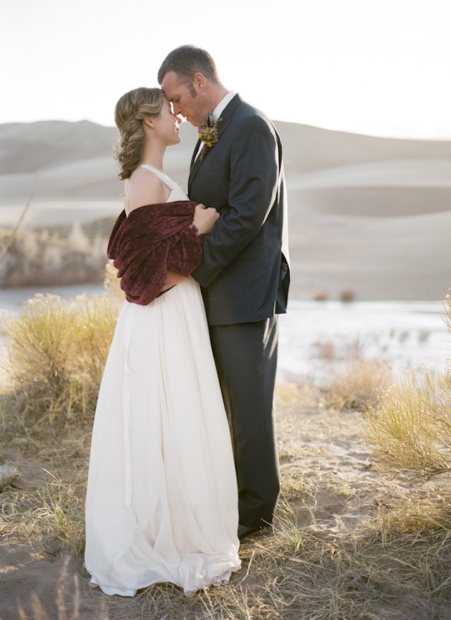 Colorado wedding | Green Blossom Photography | see more on: http://burnettsboards.com/2015/10/sand-dunes-national-park-wedding/