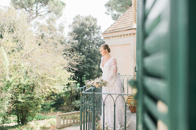 Italian villa wedding | Alexandra Vonk | see more on: http://burnettsboards.com/2015/10/dream-wedding-italy/