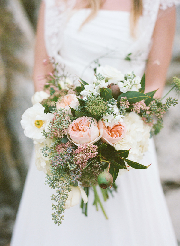 light pink rose bouquet - photo by Les Amis Photo http://ruffledblog.com/beach-wedding-inspiration-with-sequin-gowns