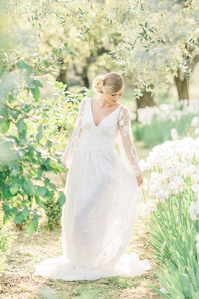 Romantic long sleeve wedding dress | Alexandra Vonk | see more on: http://burnettsboards.com/2015/10/dream-wedding-italy/