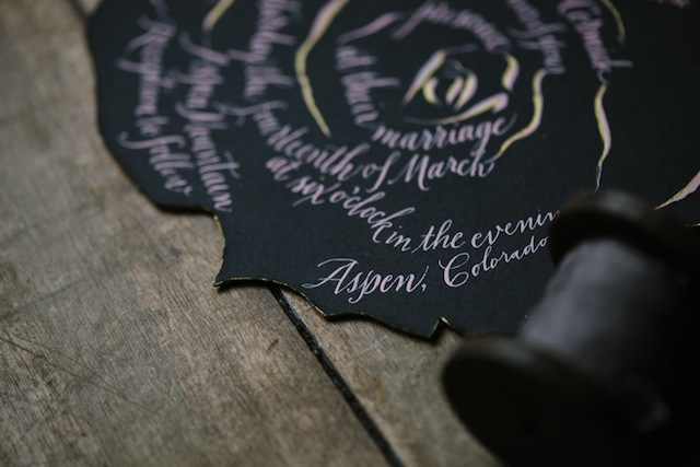 Unique wedding invitation ⎟Andy Barnhart Photography ⎟ see more on: http://burnettsboards.com/2015/10/black-swan-wedding/