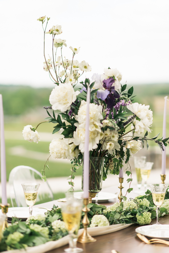 Plum and white centerpiece | Joy Michelle Photography | see more on: http://burnettsboards.com/2015/10/windswept-wedding-inspiration/