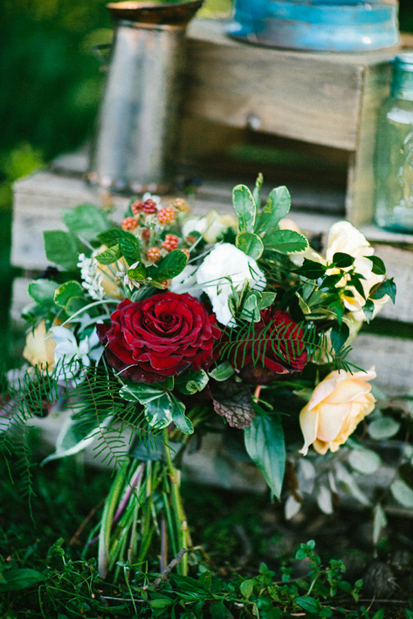 green bouquet with a pop of red - photo by Dawn Photography http://ruffledblog.com/galileo-inspired-wedding-ideas