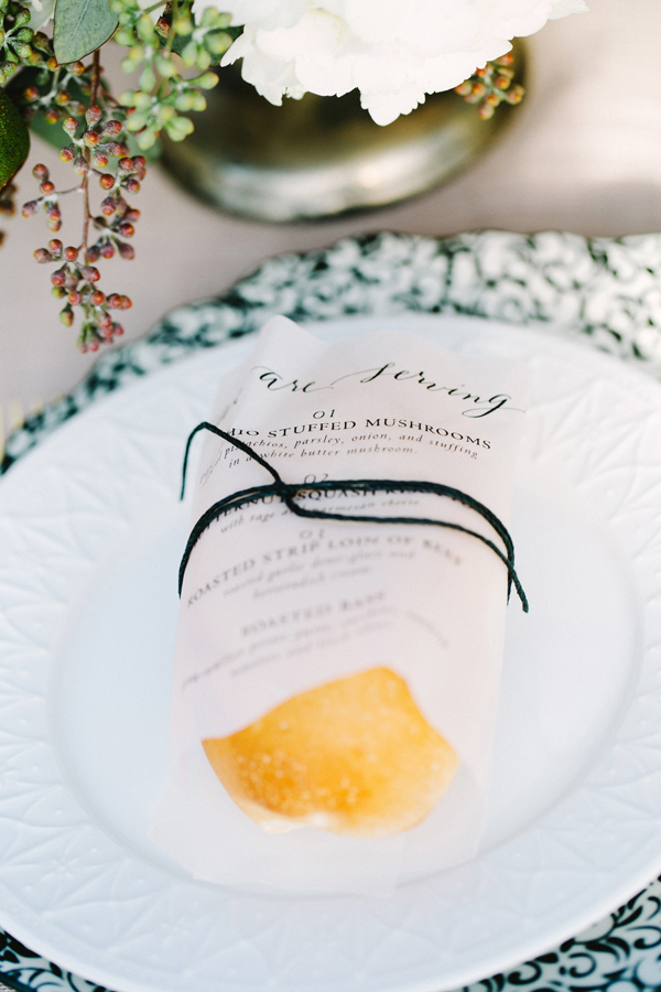 organic place setting - photo by Les Amis Photo http://ruffledblog.com/beach-wedding-inspiration-with-sequin-gowns