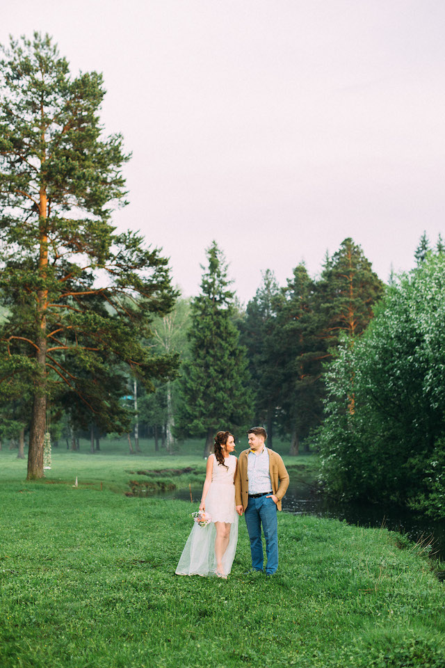 Pre-wedding portraits | Yulia Otroschenko Photography | see more on: http://burnettsboards.com/2015/10/pre-wedding-love-story/