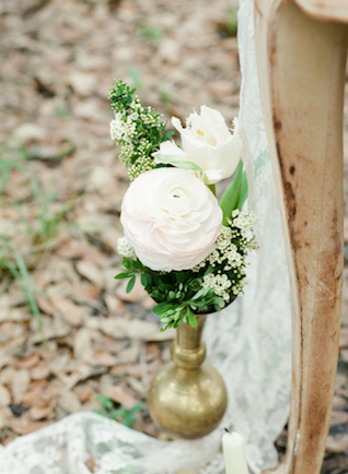Brass bud vase | Stephanie Rawcliffe Photography | see more on: http://burnettsboards.com/2015/11/blush-green-outdoor-bridal-session/