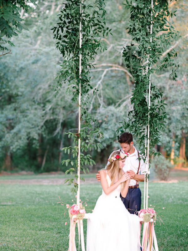 bohemian wedding - photo by Pasha Belman Photography http://ruffledblog.com/bohemian-styled-southern-wedding-inspiration