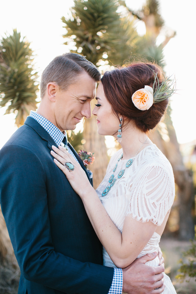 Southwestern wedding ideas | M. Felt Photography | see more on: http://burnettsboards.com/2015/11/mid-century-modern-southwestern-wedding/