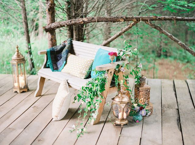 Rustic setting | see more on: http://burnettsboards.com/2015/11/rustic-jewel-toned-wedding/