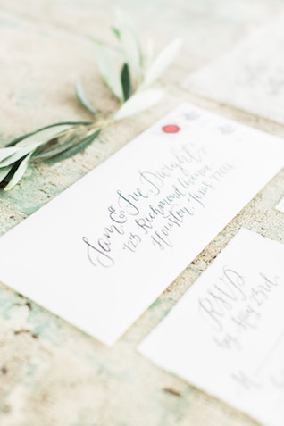 Calligraphy wedding invitations | Sharon Nicole Photography | see more on: http://burnettsboards.com/2015/11/modernly-rustic-texas-hill-country-wedding/