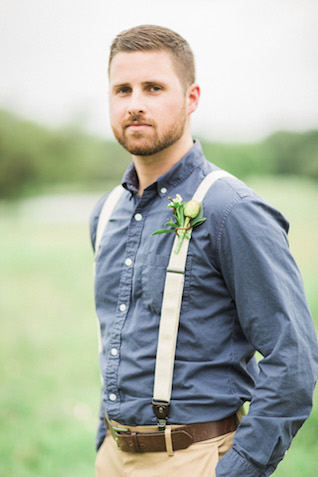Rustic groom's attire | Sharon Nicole Photography | see more on: http://burnettsboards.com/2015/11/modernly-rustic-texas-hill-country-wedding/