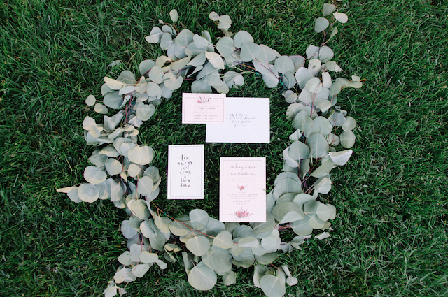 Classic garden wedding invitations | Tulip + Rose Photography | see more on: http://burnettsboards.com/2015/11/manets-luncheon-grass-wedding-inspiration/