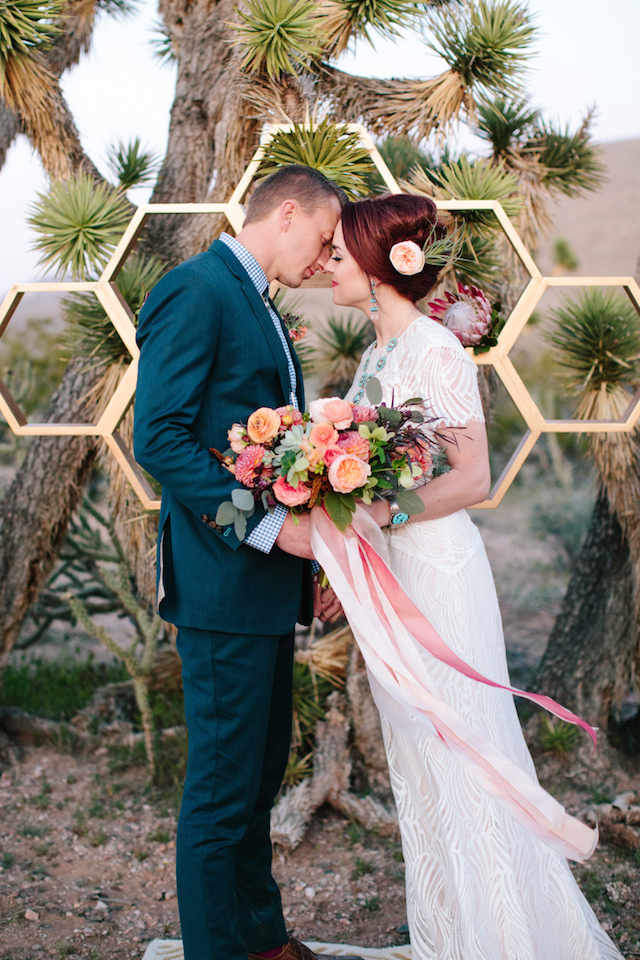 Mid-century modern wedding ideas | M. Felt Photography | see more on: http://burnettsboards.com/2015/11/mid-century-modern-southwestern-wedding/
