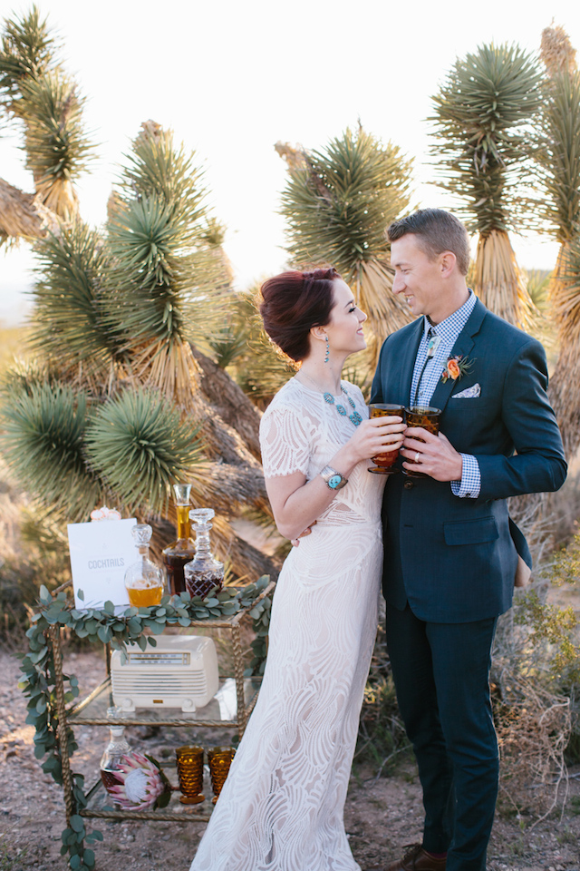 Desert wedding ideas | M. Felt Photography | see more on: http://burnettsboards.com/2015/11/mid-century-modern-southwestern-wedding/